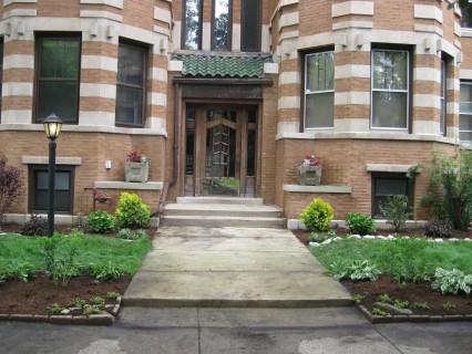 Front Yard Landscaping in Chicago