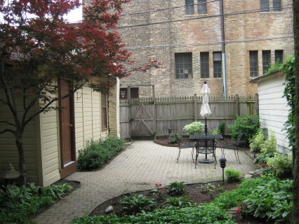 backyard landscaping in Chicago
