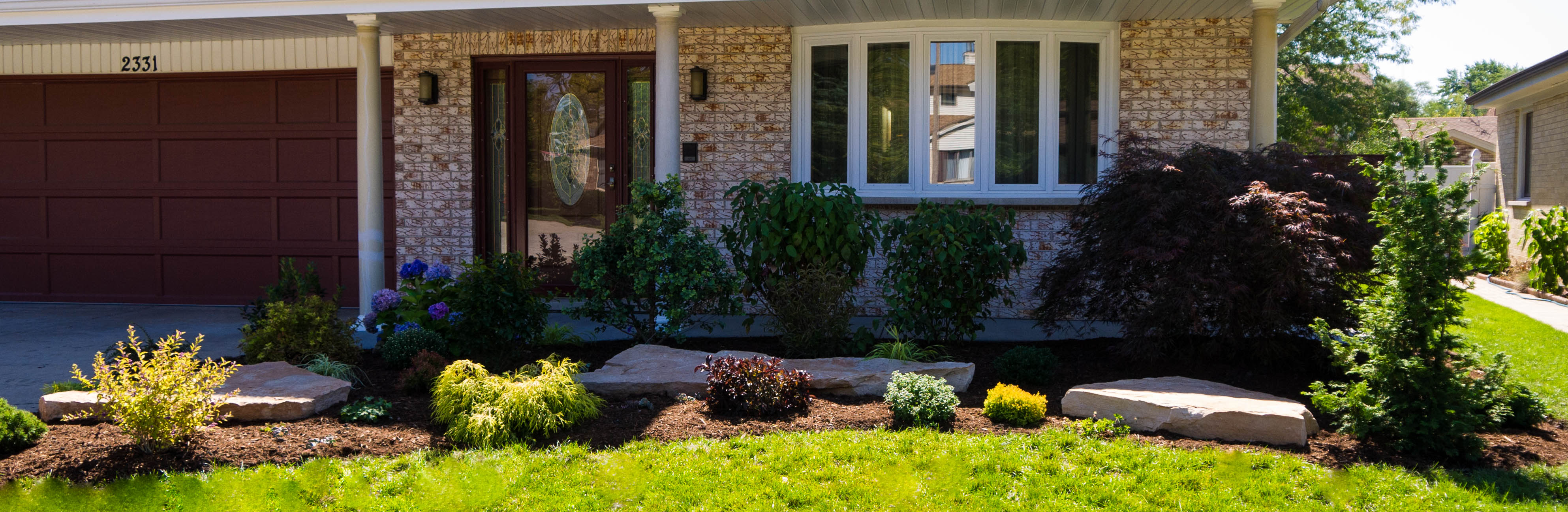 Landscaping Ideas Garage Area : Fall landscaping it s still not too late seasons painting