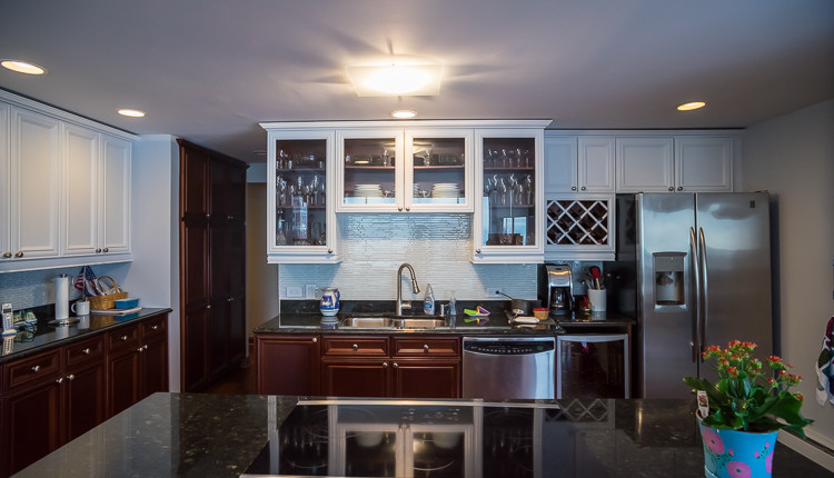 chicago condo cabinets backsplash