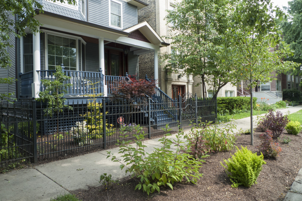 Front Landscaping & Porch Painting in Chicago